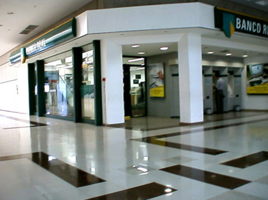 Banco Real Ag. Shopping Ribeirão Preto - SP - 1999